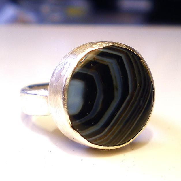 Черный камень топаз