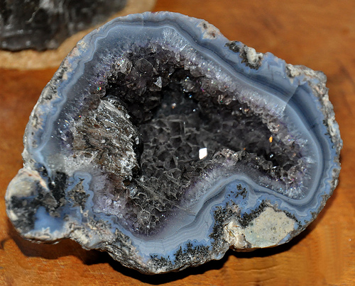 Халцедон камень фото цена